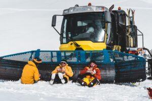 catski macedonië freeride tourski splitboard ski snowboard winter winteravontuur poeder sneeuw groepsreis individuele reis solo avontuur avontuurlijke shar popova shapka scardus skopje